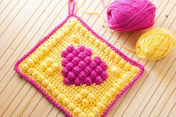 bobble-stitch-crochet-potholder-pattern-600x399